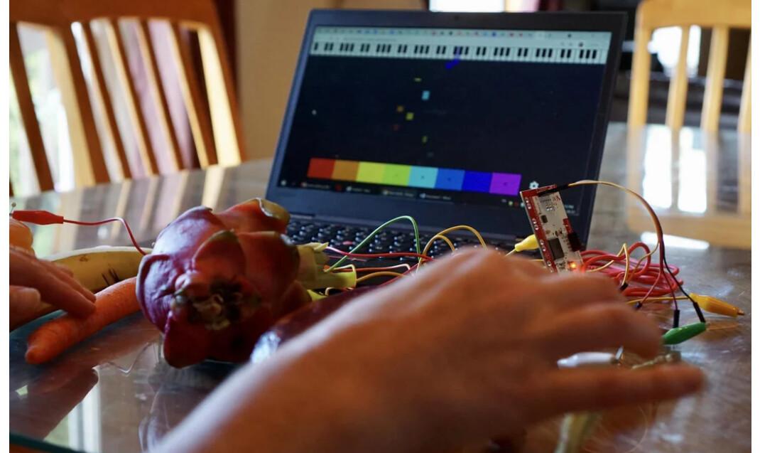 Screenshot 2021-08-18 at 21-30-54 Fruit and Vegetable Piano